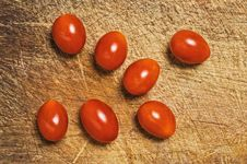 Free Fresh Cherry Tomatoes Royalty Free Stock Photo - 7046105
