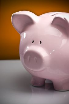 Free Pink Piggy Bank Royalty Free Stock Photos - 7048098
