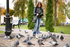 Free Girl With Doves In Park Royalty Free Stock Photography - 7057707
