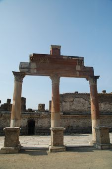 Free Ruins Of Pompeii Royalty Free Stock Photography - 7058627