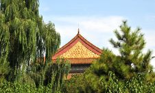 Free Beautiful Roof Of Chinese Ancient Building Royalty Free Stock Photo - 7060105