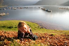 Free Relax At The Autumn Lake 2 Royalty Free Stock Images - 7063099