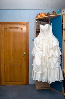 Free Dress Of The Bride In A Children S Room Royalty Free Stock Image - 7067456