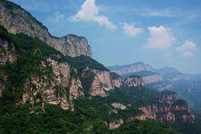 Free Green Stone Mountain Royalty Free Stock Photo - 7067845