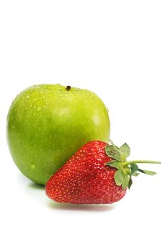 Free Green Apple With Strawberry Royalty Free Stock Image - 7068476
