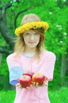 Free Girl Hold Apple Royalty Free Stock Photography - 7068547