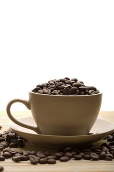 Free Cup Of Coffee And Coffee Beans Isolated Stock Photography - 7068752