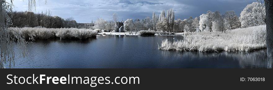 Duotone infrared lake