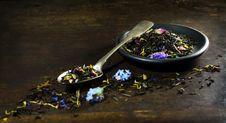 Free Dry Tea  In Spoon And Plate Royalty Free Stock Photography - 70619597