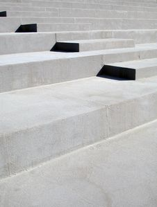 Free Concrete Steps Stock Photography - 710912