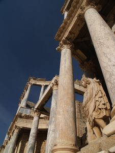 Free Old Roman Ruins Royalty Free Stock Photos - 711408