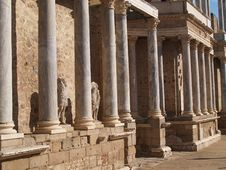 Free Old Roman Ruins Stock Image - 711441