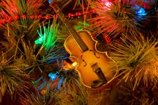 Free Christmas Violin Stock Photo - 711940