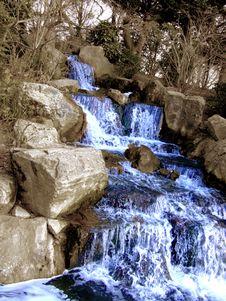 Free Grandiose Waterfall Royalty Free Stock Photography - 713027