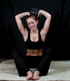 Free Young Brunette With Medicine Ball Royalty Free Stock Photos - 715988