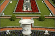 Free Bahai S Garden Royalty Free Stock Image - 718016