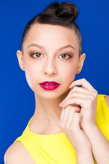 Free Portrait Of Girl With Make-up In Yellow Dress Royalty Free Stock Images - 71841999
