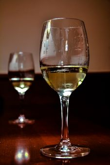 Free Glass Of White Wine Royalty Free Stock Photography - 71897987