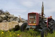 Free The Old Tractor Stock Photography - 723322