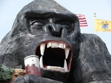 Free Massive Horror Gorilla Statue Stock Photo - 723560
