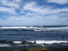 Free Hookipa Coastline Royalty Free Stock Images - 724729