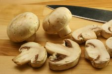 Free Mushrooms And Knife Stock Photography - 726202