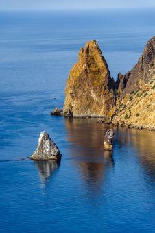 Free Rocks In Black Sea Stock Images - 72807454