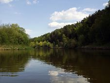 Free Calm Bend Of River With Forest Stock Image - 73050831