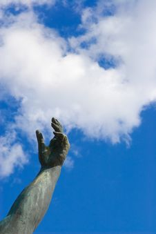 Free Stone Hand In A Blue Sky Royalty Free Stock Images - 740569