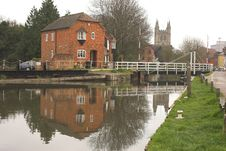 Free House Next To Canal Stock Images - 744394