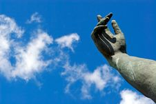 Free Stone Hand In A Blue Sky Stock Photo - 746080