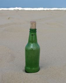 Free Message In A Bottle Royalty Free Stock Photos - 748848
