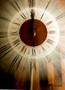 Free Old Vintage Clock Royalty Free Stock Photo - 7409455