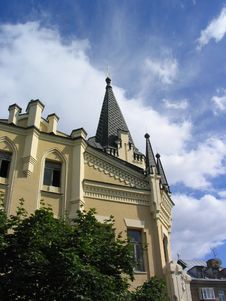 Free Castle In The Sky Royalty Free Stock Images - 765369