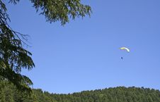 Free Parasailing  Adventure Sports In The Himalayas Royalty Free Stock Photography - 769237