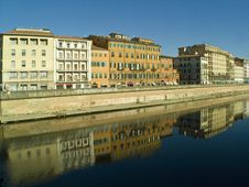 Free Pisa: Reflections In The Arno Stock Images - 7644674