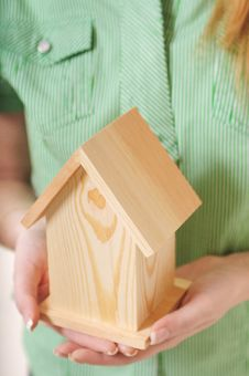 Free Little Home In The Hands Stock Photography - 7644802