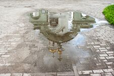 Free Church Reflected In A Puddle Royalty Free Stock Photos - 76444948