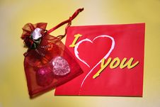 Free Love Message & Chocolate Gift Stock Images - 771944