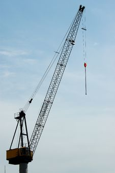 Free Crane And Sky Royalty Free Stock Photography - 772037