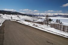 Free Road, Snow And Skies. Royalty Free Stock Photos - 776008