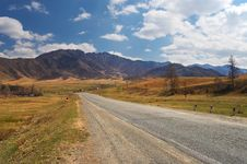 Free Road, Mountains And Skies. Royalty Free Stock Photos - 776028