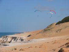 Free White Dunes Fly Stock Image - 776891