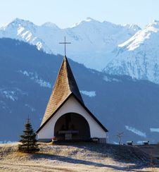 Free Small Shrine In The Mountains Royalty Free Stock Images - 7702739