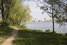 Free Road Near The City Lake Stock Photo - 7707190