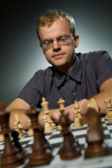 Free Thoughtful Chess Master Royalty Free Stock Photography - 7707607