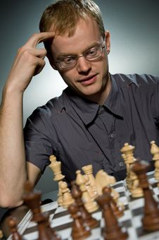 Free Thoughtful Chess Master Stock Photos - 7707663
