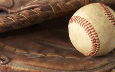 Free Baseball Glove Royalty Free Stock Photos - 7709658