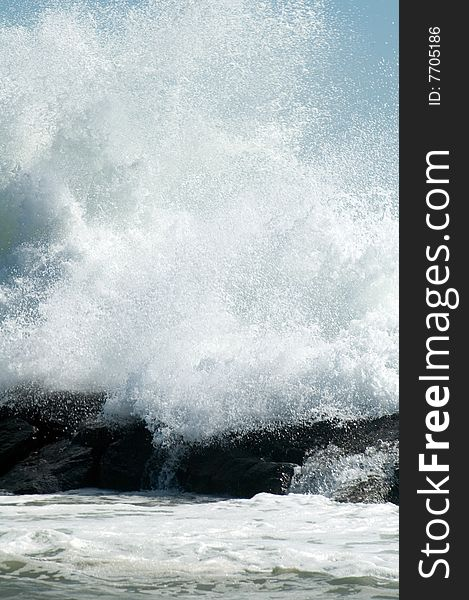 Coastline wave
