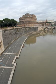 Free Castel Sant Angelo And Its Bridge In A Rainy Day Royalty Free Stock Image - 7710436